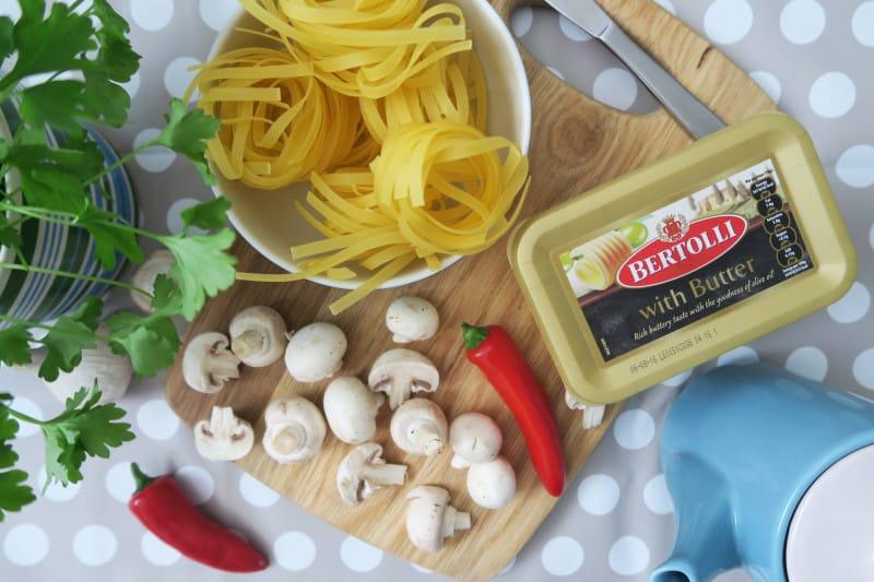 gluten-free-tagliatelle-garlic-mushrooms-1 gluten free italian