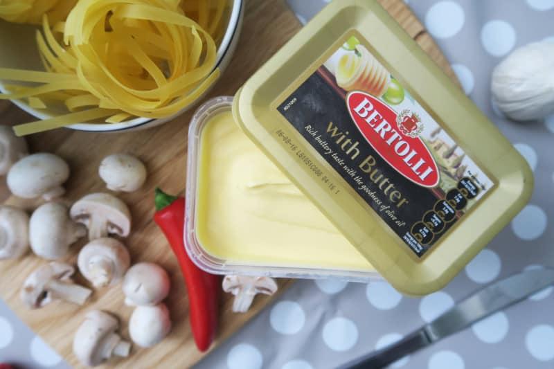 gluten-free-tagliatelle-garlic-mushrooms-3 gluten free italian