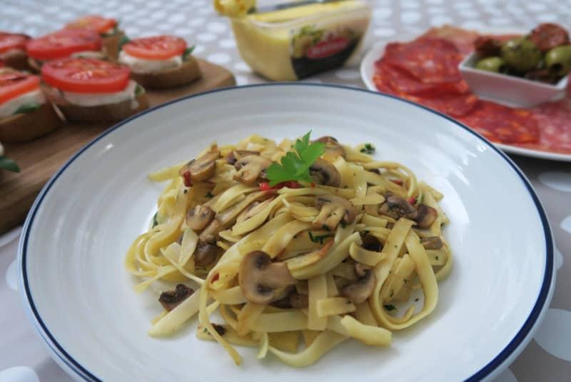 gluten-free-tagliatelle-garlic-mushrooms-8 gluten free italian