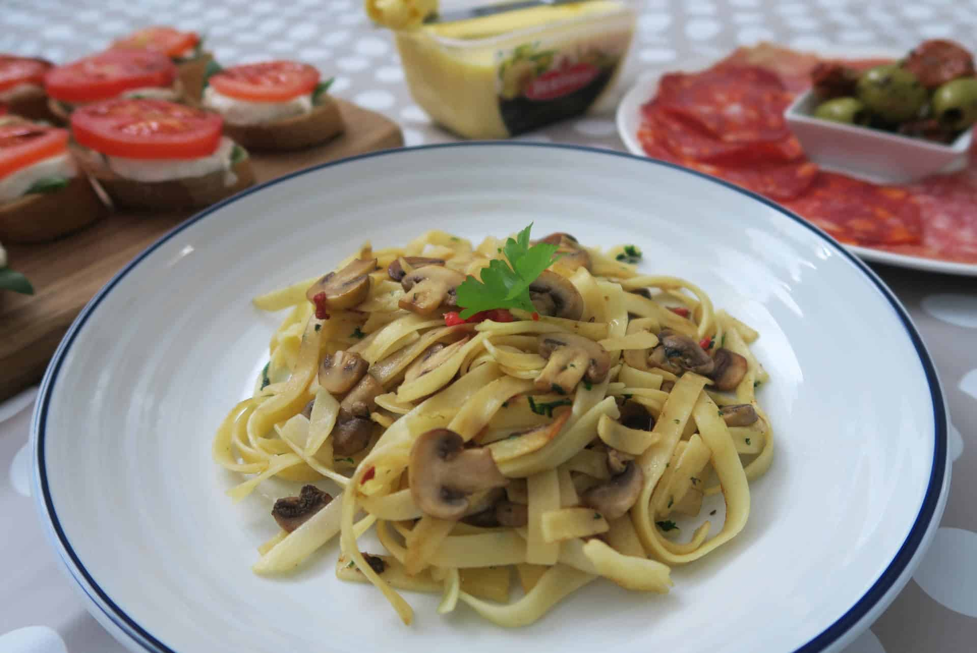 My Gluten Free Tagliatelle with Garlic Mushrooms Recipe (vegan, low FODMAP)
