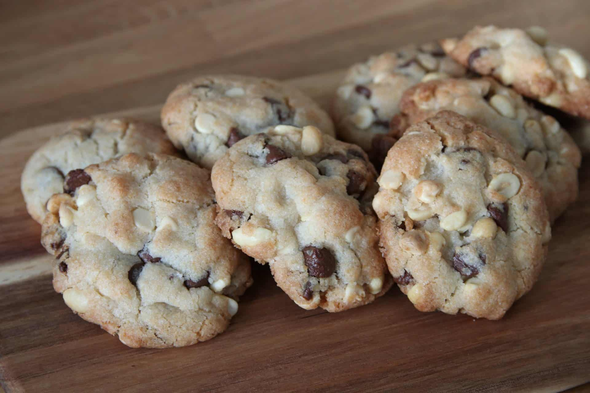 RECIPE: Gluten Free Chocolate Chip Cookies using the Betty Crocker ...