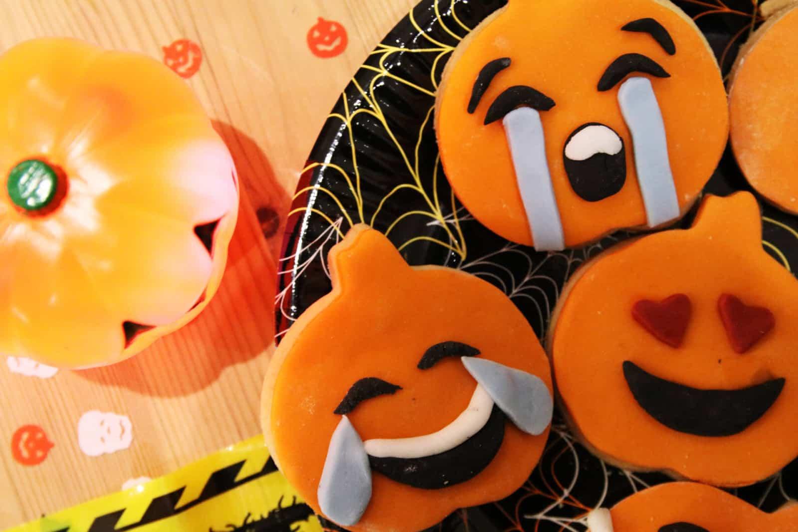 Halloween Emoji Cookies