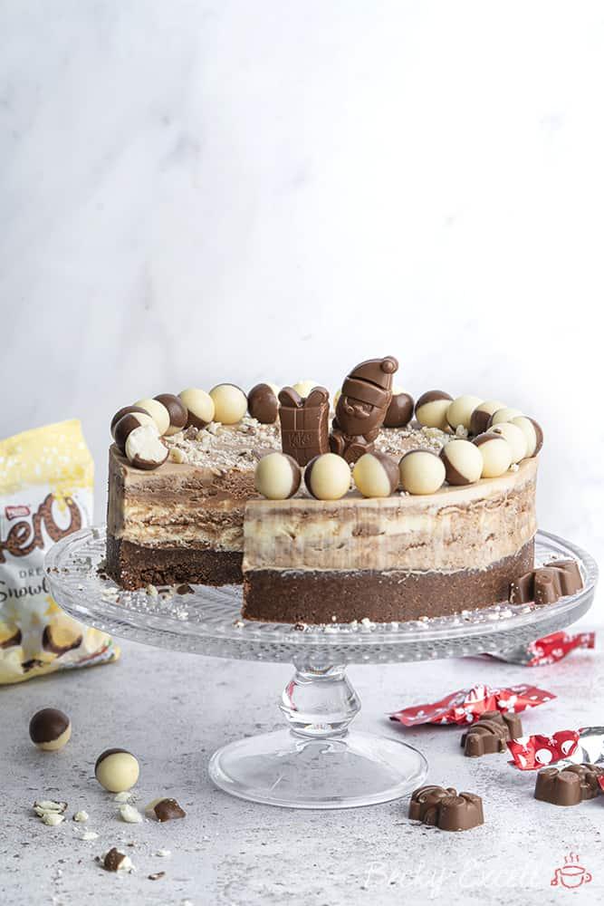 Gluten-free Triple Chocolate Christmas Cheesecake Recipe - No-bake