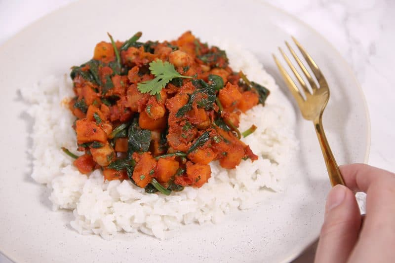 My Gluten Free and Vegan Spinach and Chickpea Curry Recipe (low FODMAP)