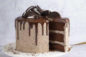My '70K' Gluten Free 'Oreo' Drip Cake Recipe (dairy free option)