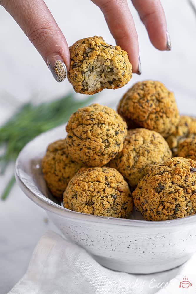 Gluten Free Sage and Chive Stuffing Balls Recipe (dairy free/vegan option, low FODMAP)