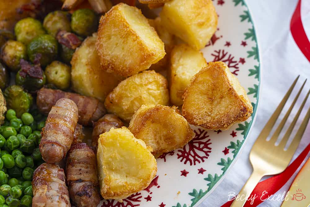 My BEST EVER *Super Crispy* Roast Potatoes Recipe - Quick and easy!