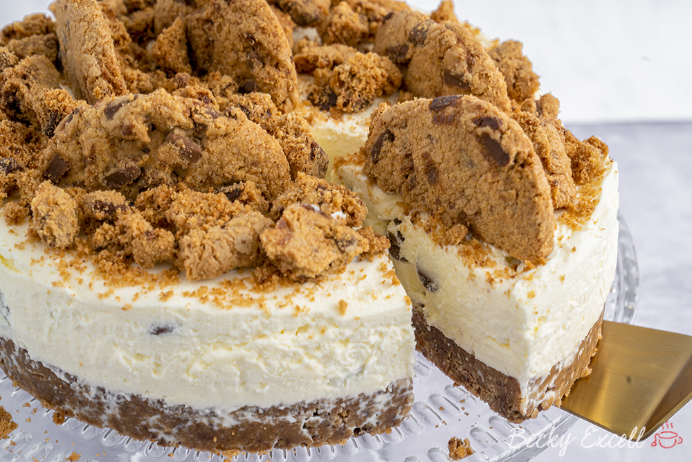 Gluten Free Chocolate Chip Cookie Cheesecake Recipe (No-Bake)