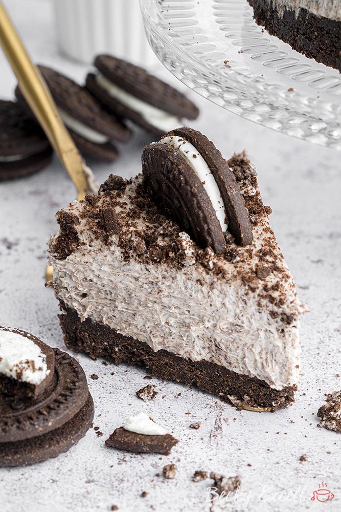 Dairy-free 'Oreo' No-bake Cheesecake Recipe - 5-ingredients (vegan)
