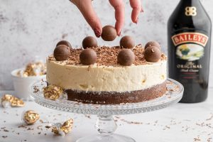 Gluten-free Baileys Cheesecake Recipe – No-bake (dairy-free/vegan option)