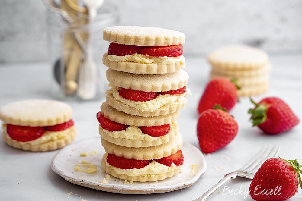 Clotted Cream Shortbread and Strawberries Recipe